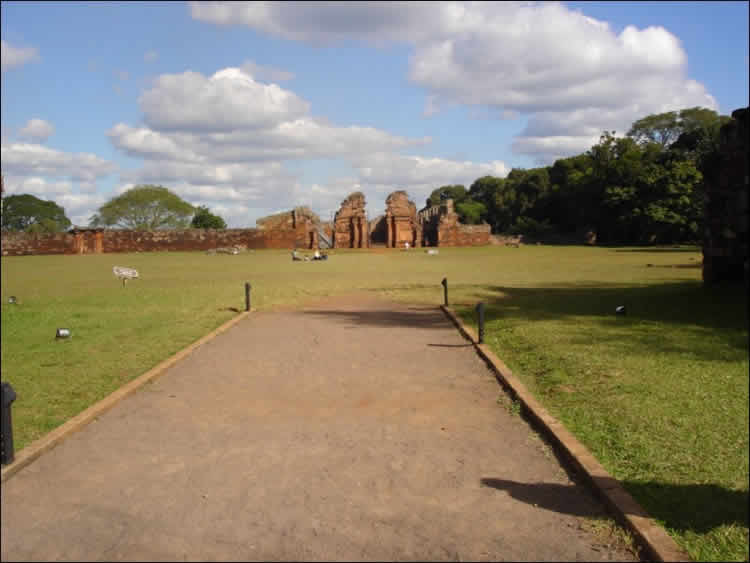 Click to enlarge image ruinas4.jpg